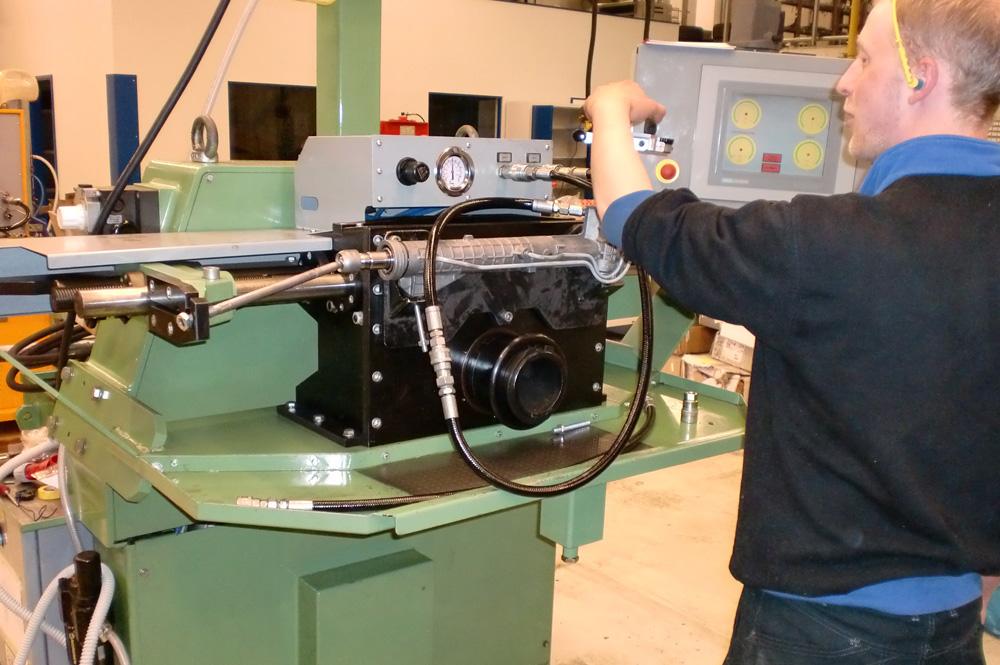 Testmaschine für ein Lenkgetriebe